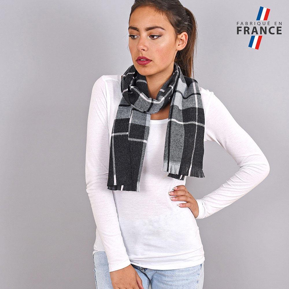 AT-03933-VF10-LB_FR-echarpe-carreaux-ecossais-noire
