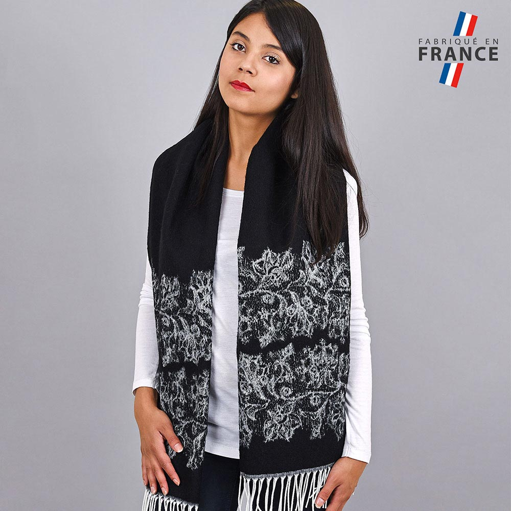 AT-03956-VF10-2-LB_FR-chale-hiver-noir-motifs-floraux