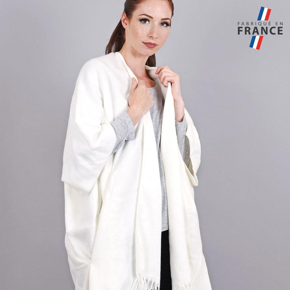 AT-03986-VF10-2-LB_FR-poncho-femme-hiver-larges-poches