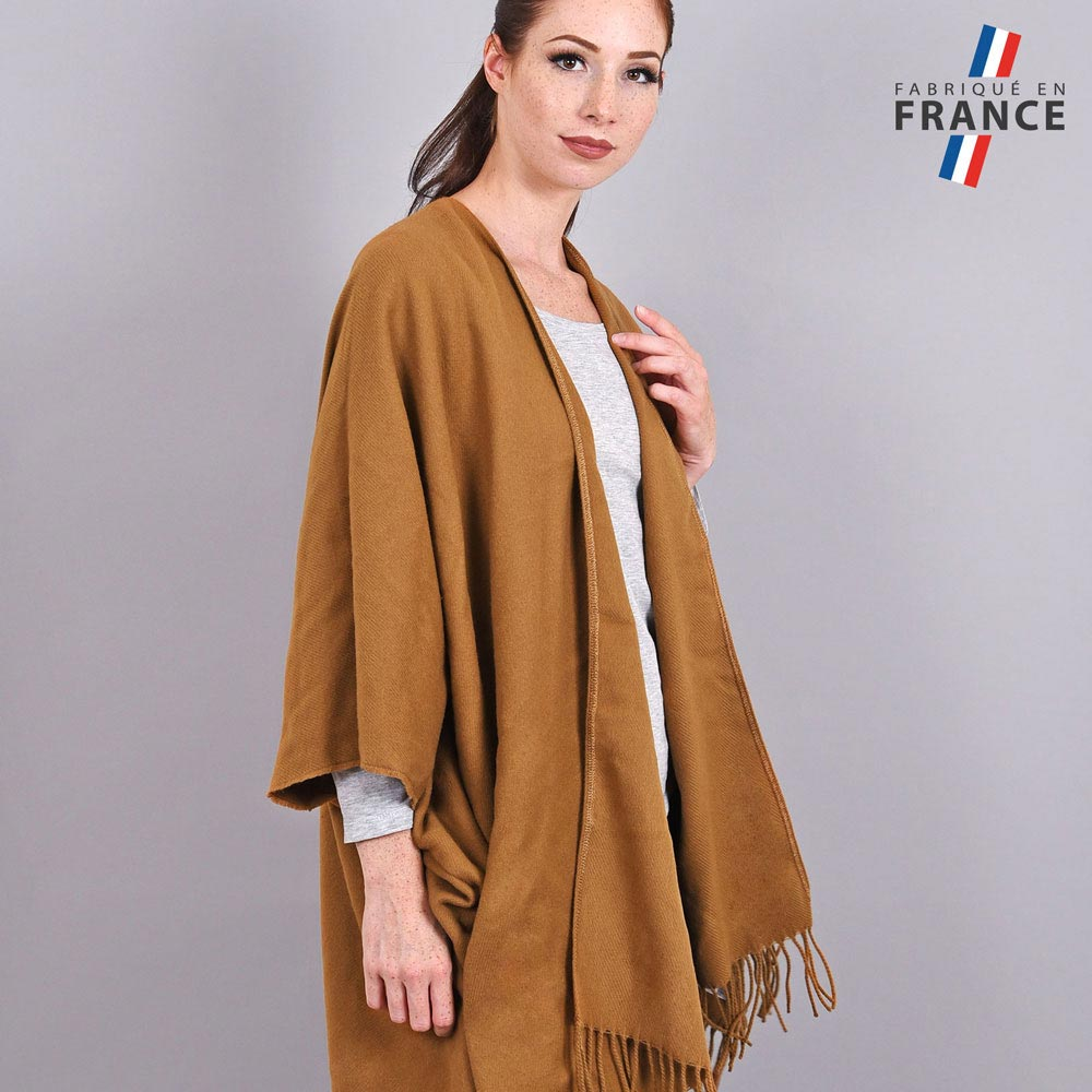 AT-03988-VF10-2-LB_FR-poncho-a-poches-marron