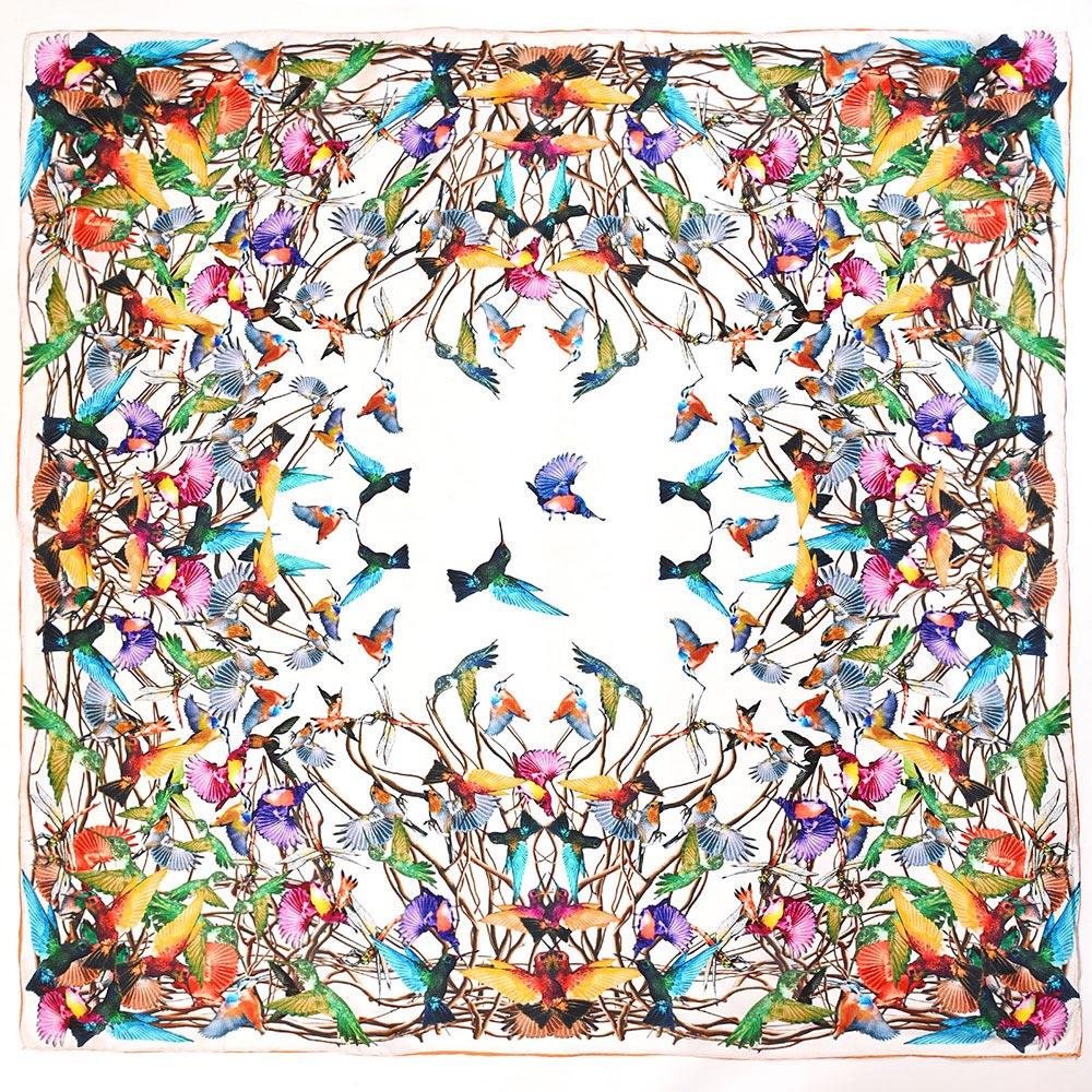 AT-04031-A10-carre-de-soie-colibris-blanc-