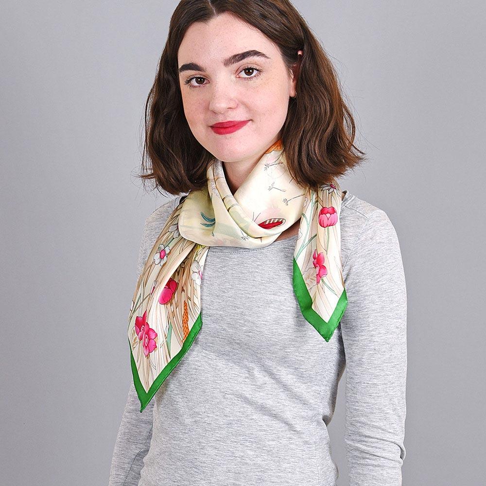 AT-04035-VF10-foulard-carre-soie-blanc-prairie