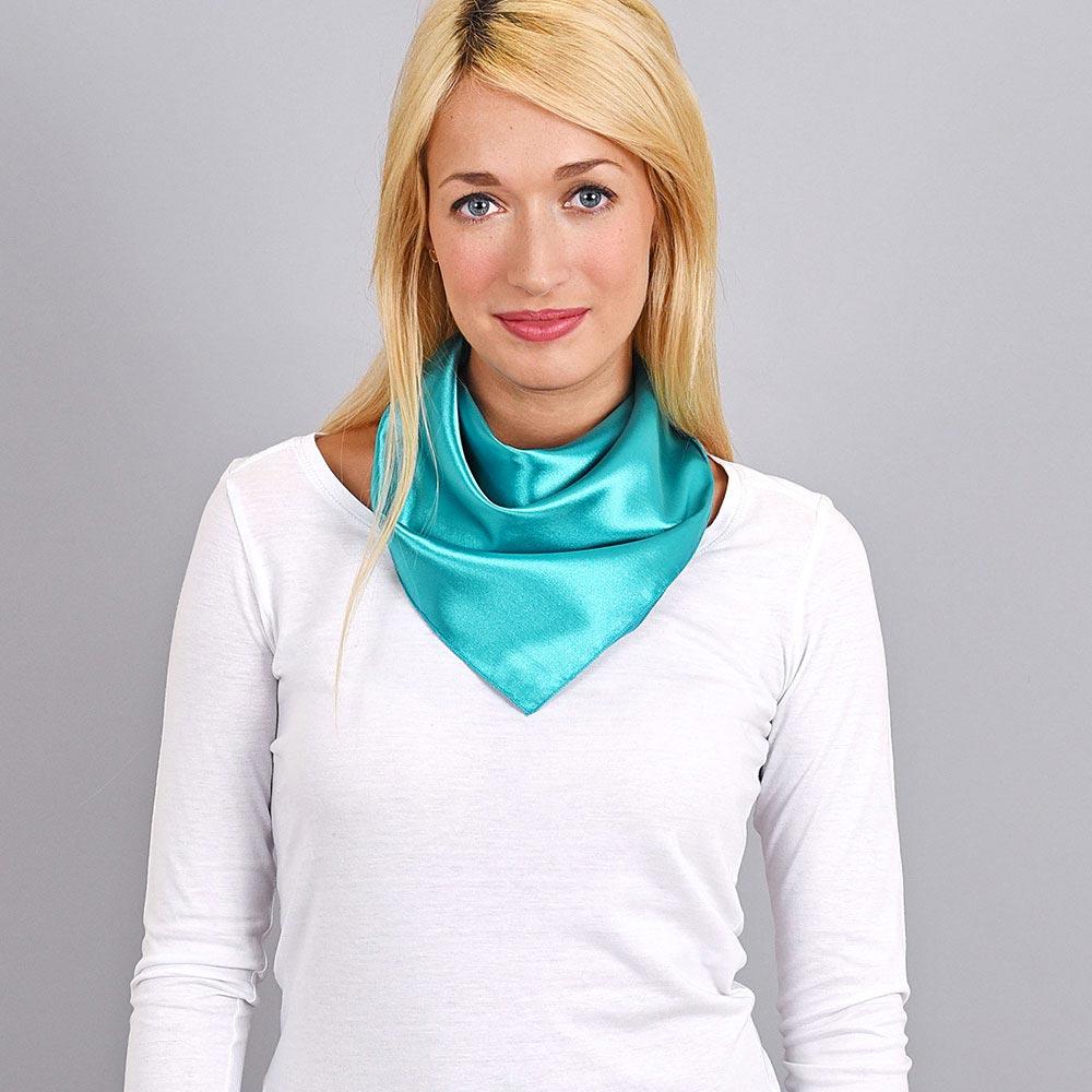 AT-04067-VF10-foulard-femme-hotesse-vert