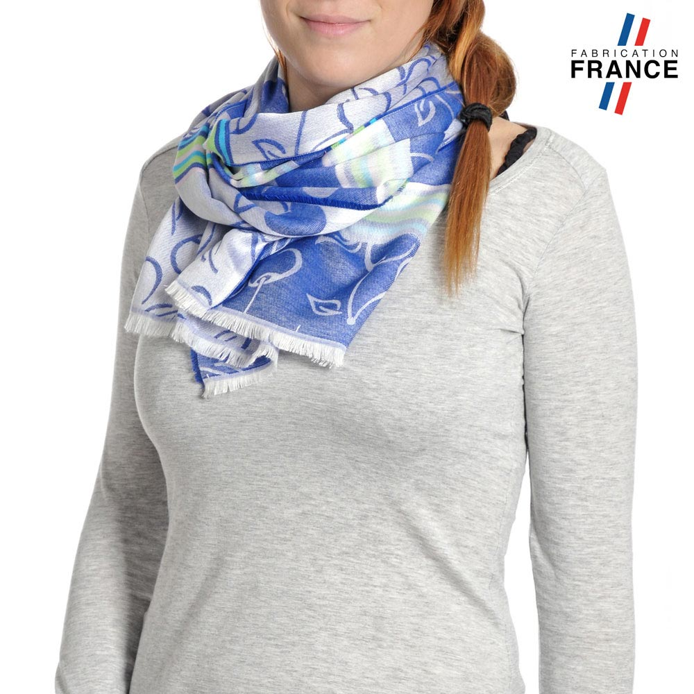 AT-04208-VF10-P-LB_FR-echarpe-legere-fabrication-france-cerises-bleu-saphir