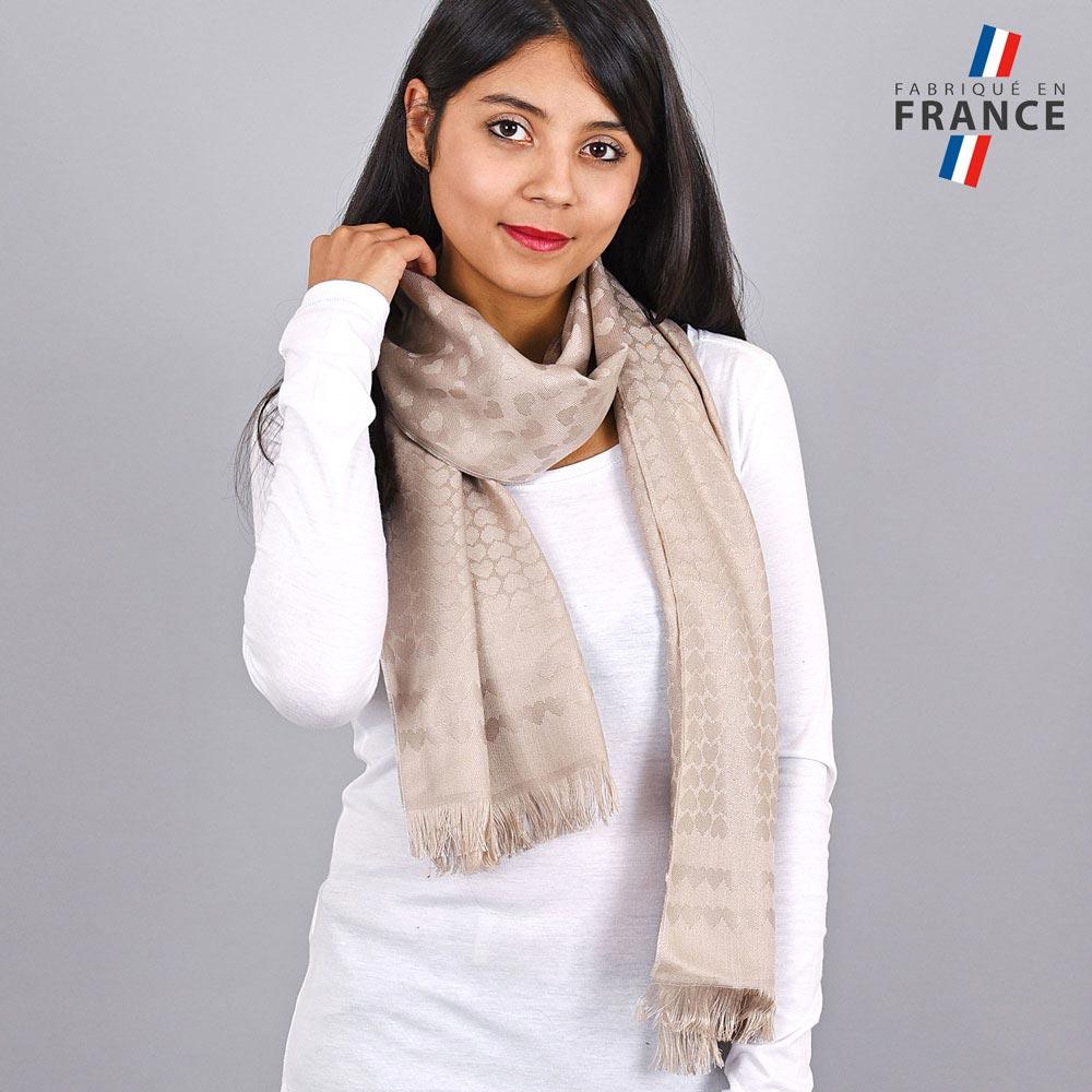 AT-04268-VF10-LB_FR-echarpe-qualicoq-motifs-coeurs-beige
