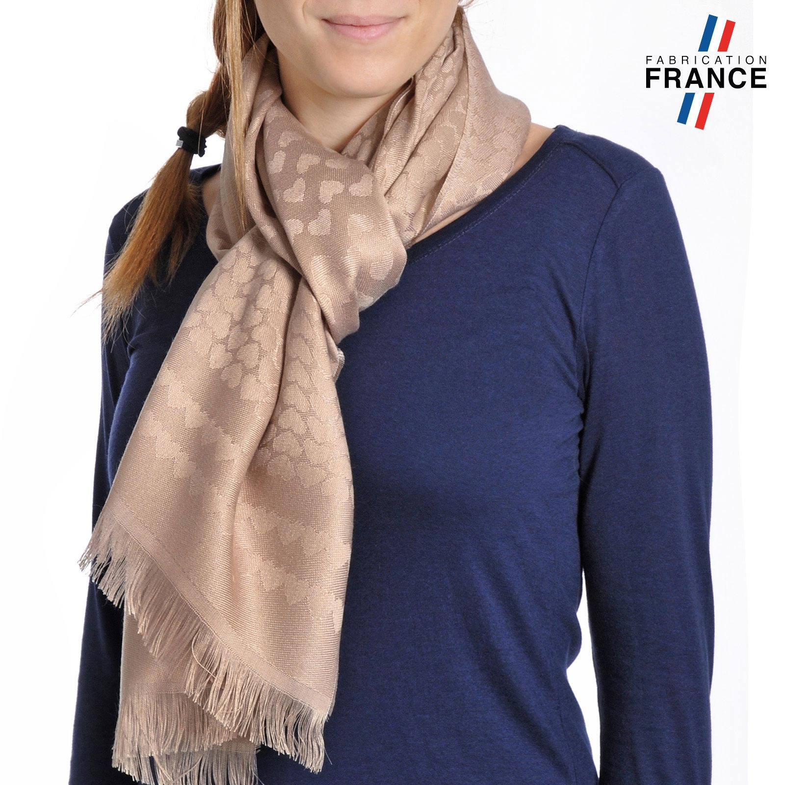 AT-04268-VF10-T-LB_FR-echarpe-qualicoq-motifs-coeurs-beige