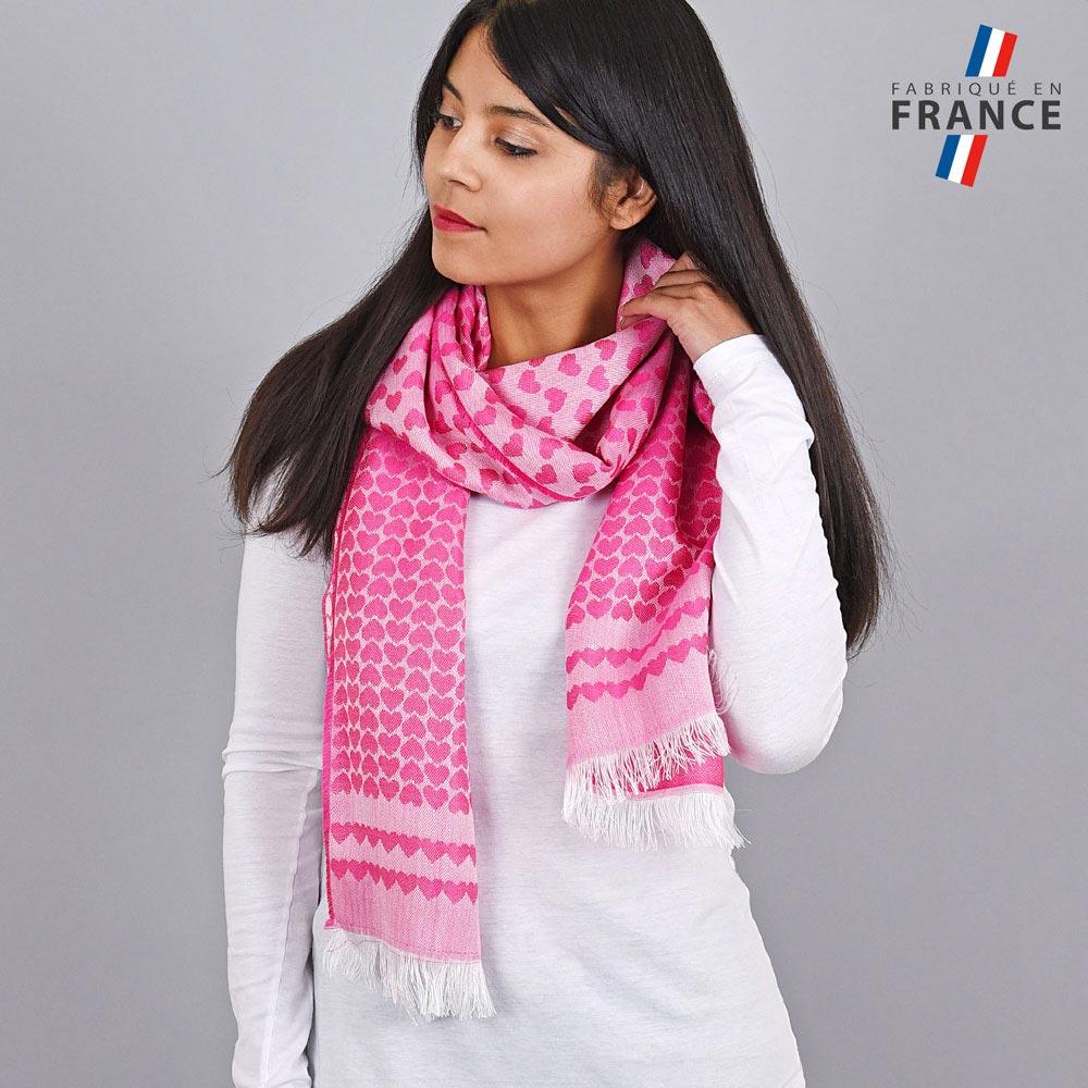 AT-04276-VF10-LB_FR-echarpe-qualicoq-motifs-coeurs-rose-fuchsia