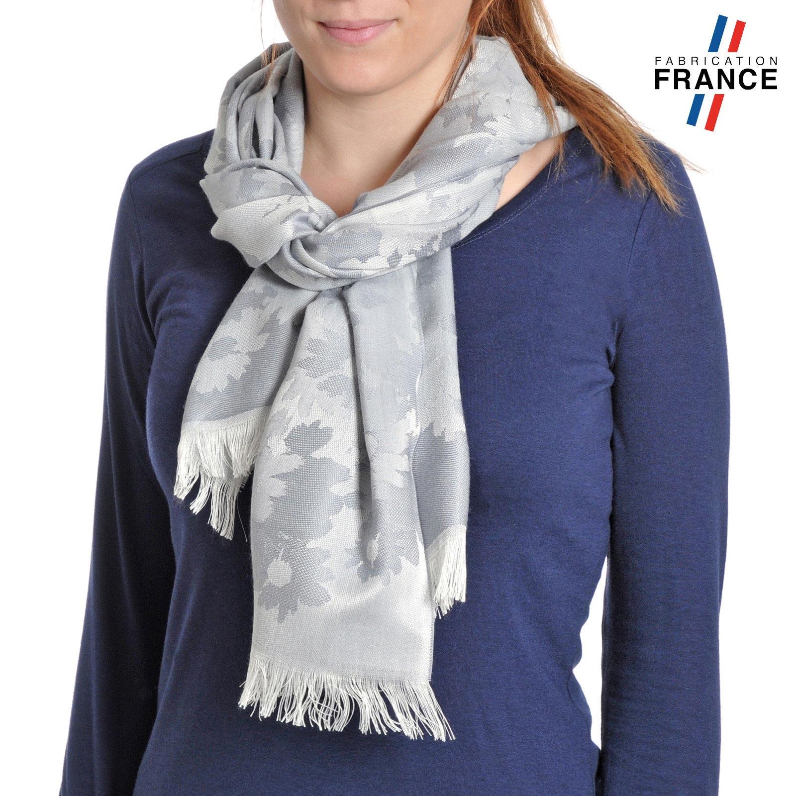 AT-04277-VF10-T-LB_FR-echarpe-legere-fleurs-gris-argent-fabrication-france