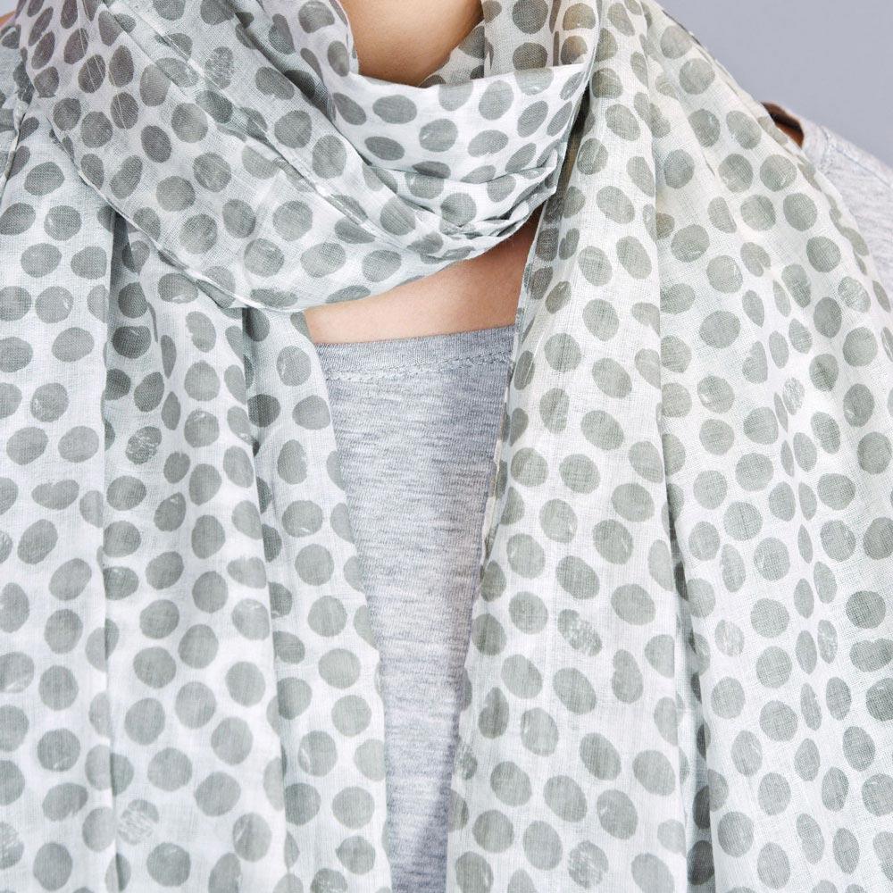 AT-04318-VF10-3-foulard-femme-pois-et-dentelle-gris