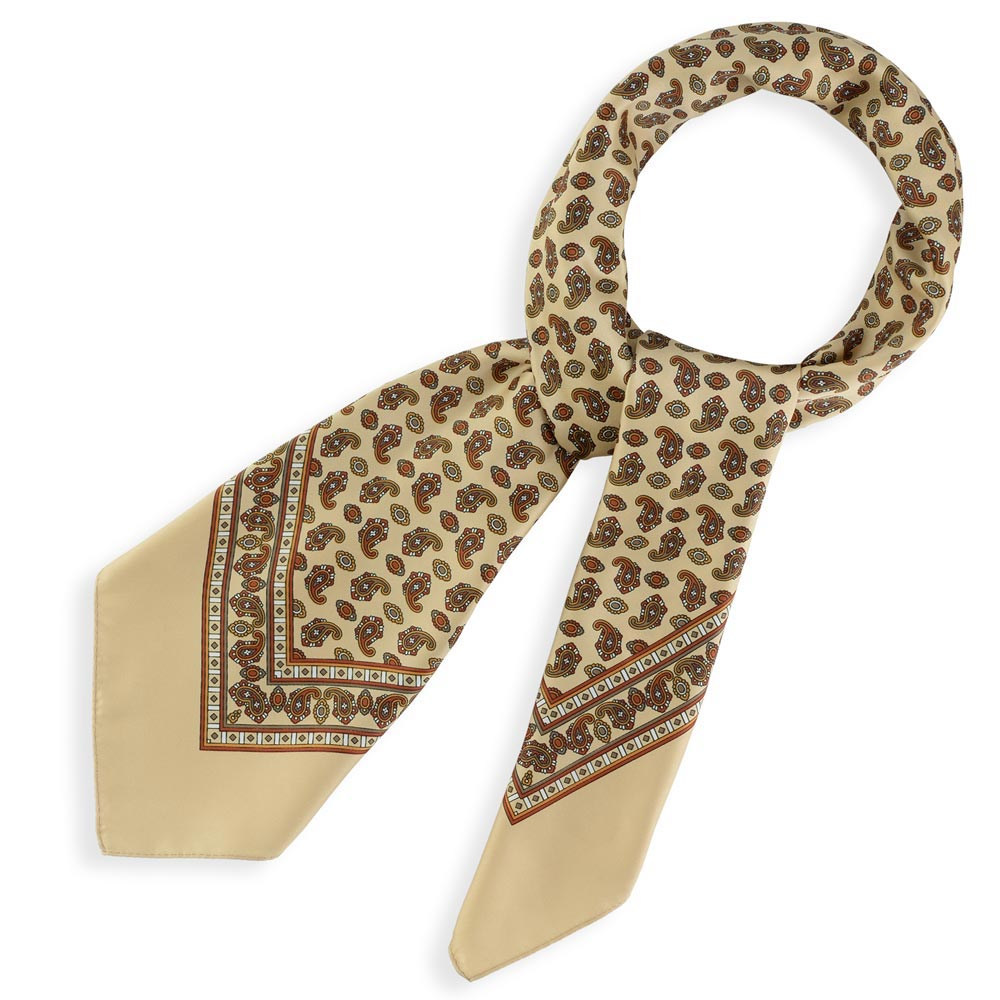 AT-04369-F10-foulard-carre-beige-cachemire