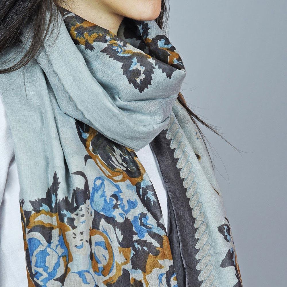 AT-04384-VF10-2-foulard-femme-leger-marron