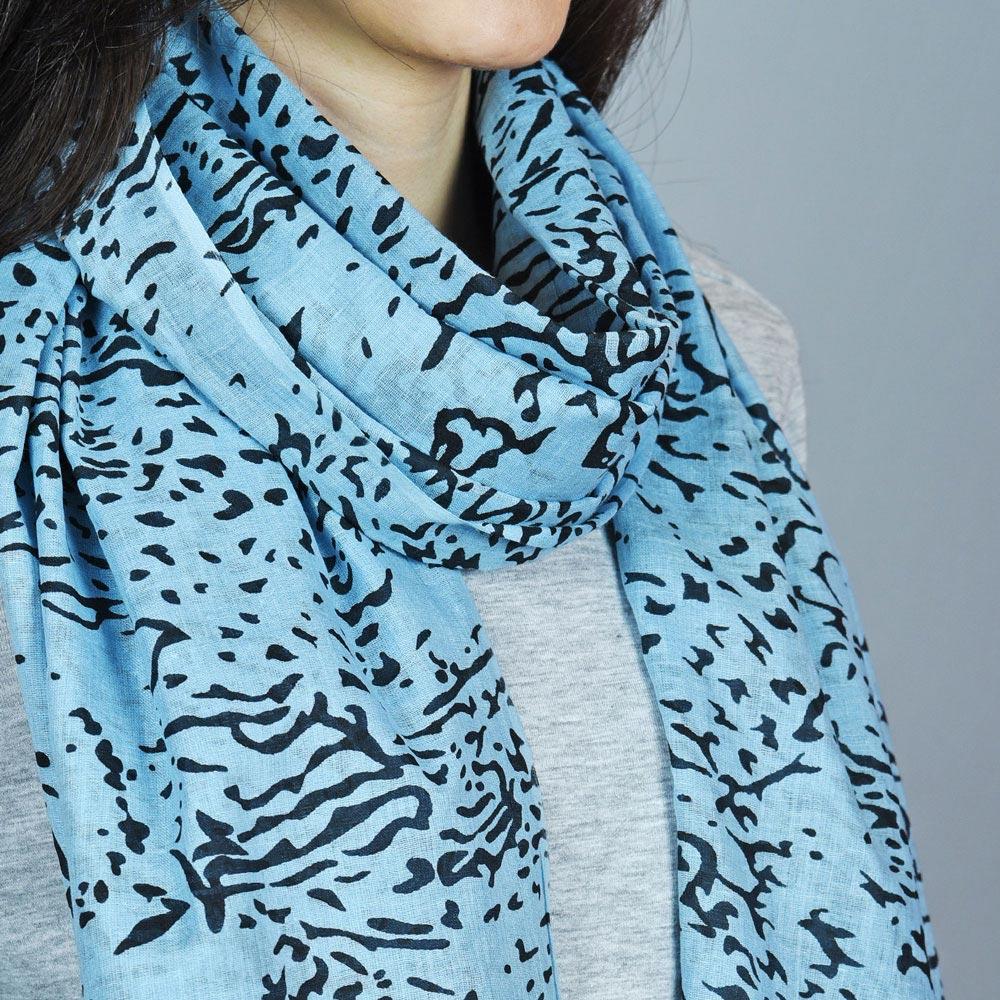 AT-04389-VF10-2-foulard-femme-bleu-leopard-tigre