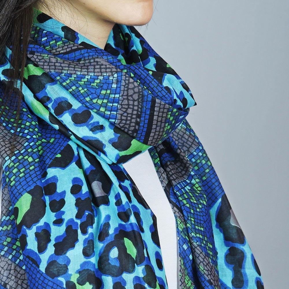 AT-04395-VF10-2-foulard-leopard-serpent-bleu
