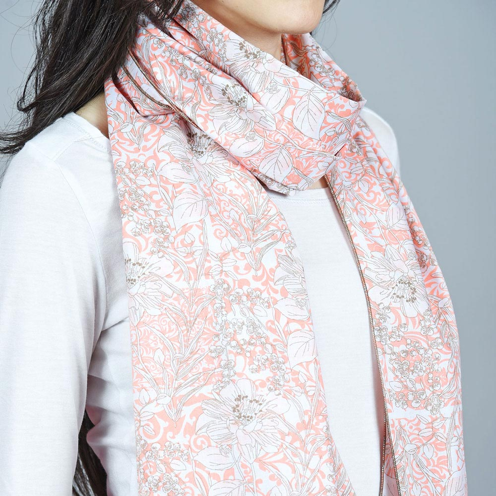 AT-04487-VF10-2-echarpe-femme-rose-corail