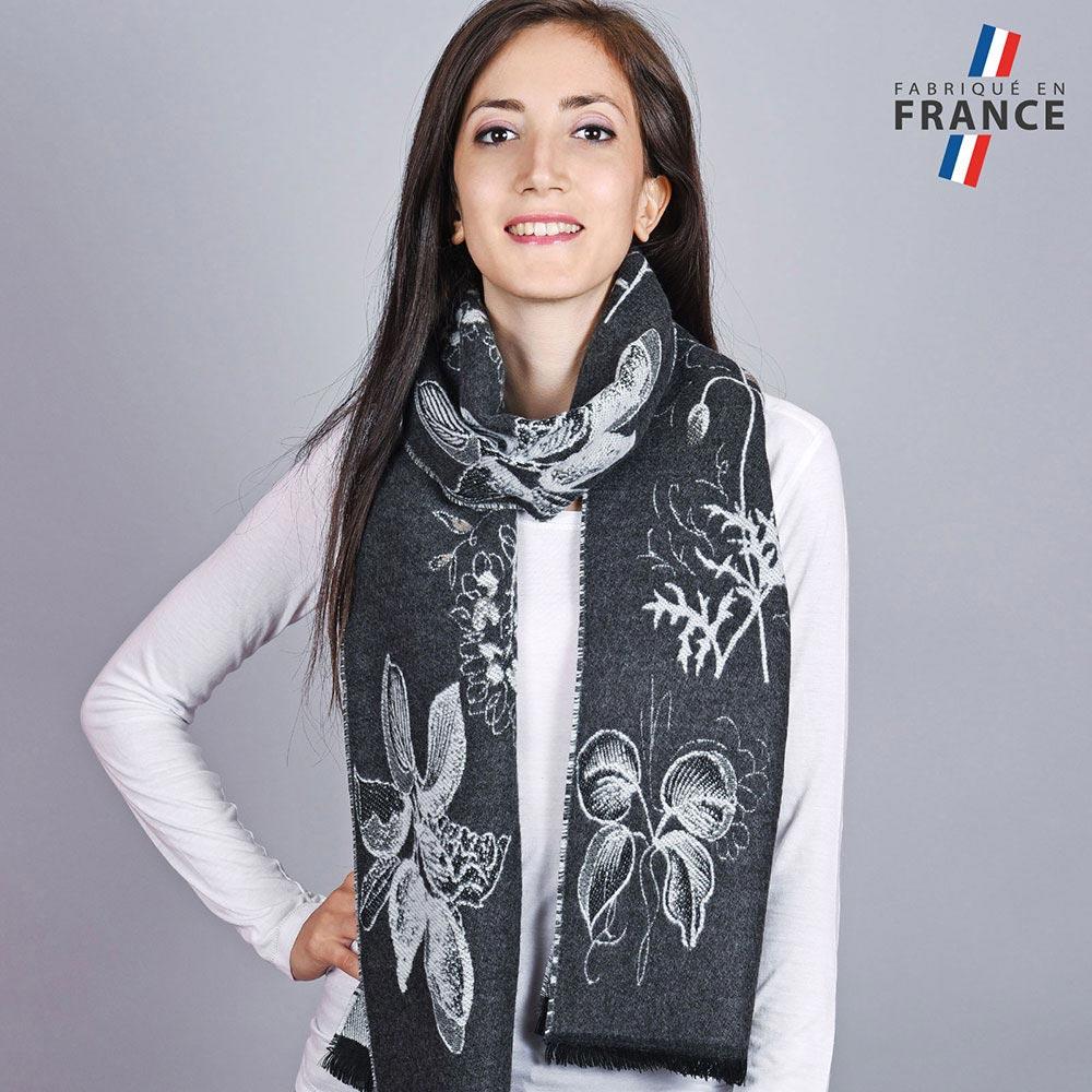 AT-04529-VF10-1-LB_FR-echapre-femme-automne-noire