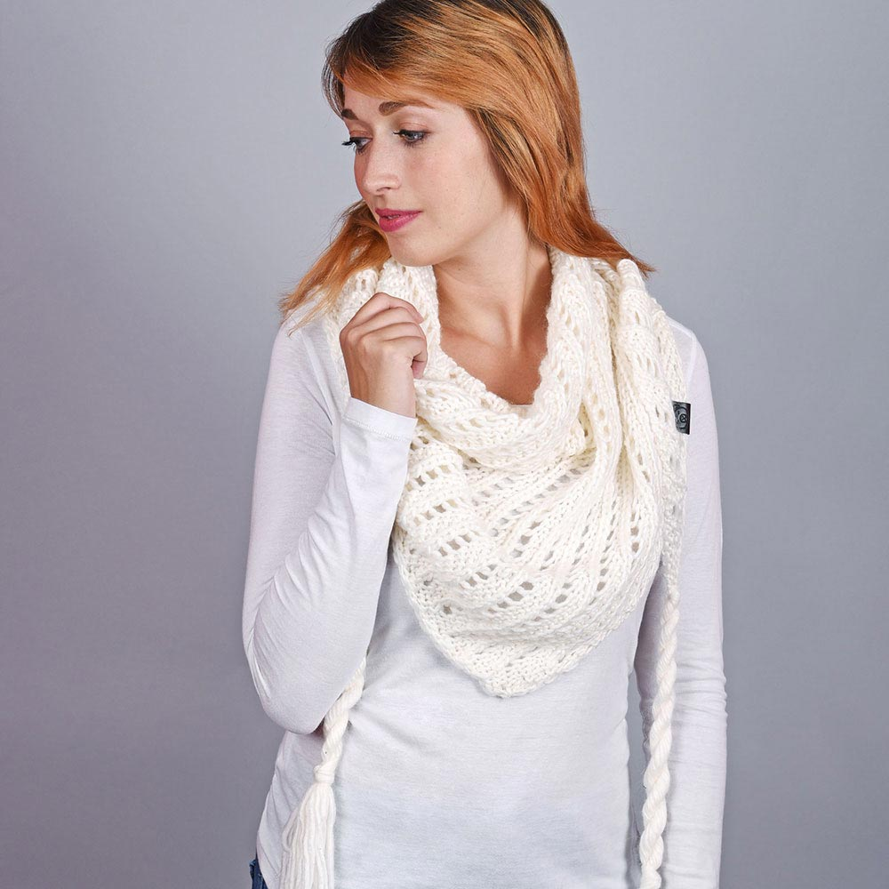 AT-04554-VF10-1-echarpe-femme-triangle-blanc