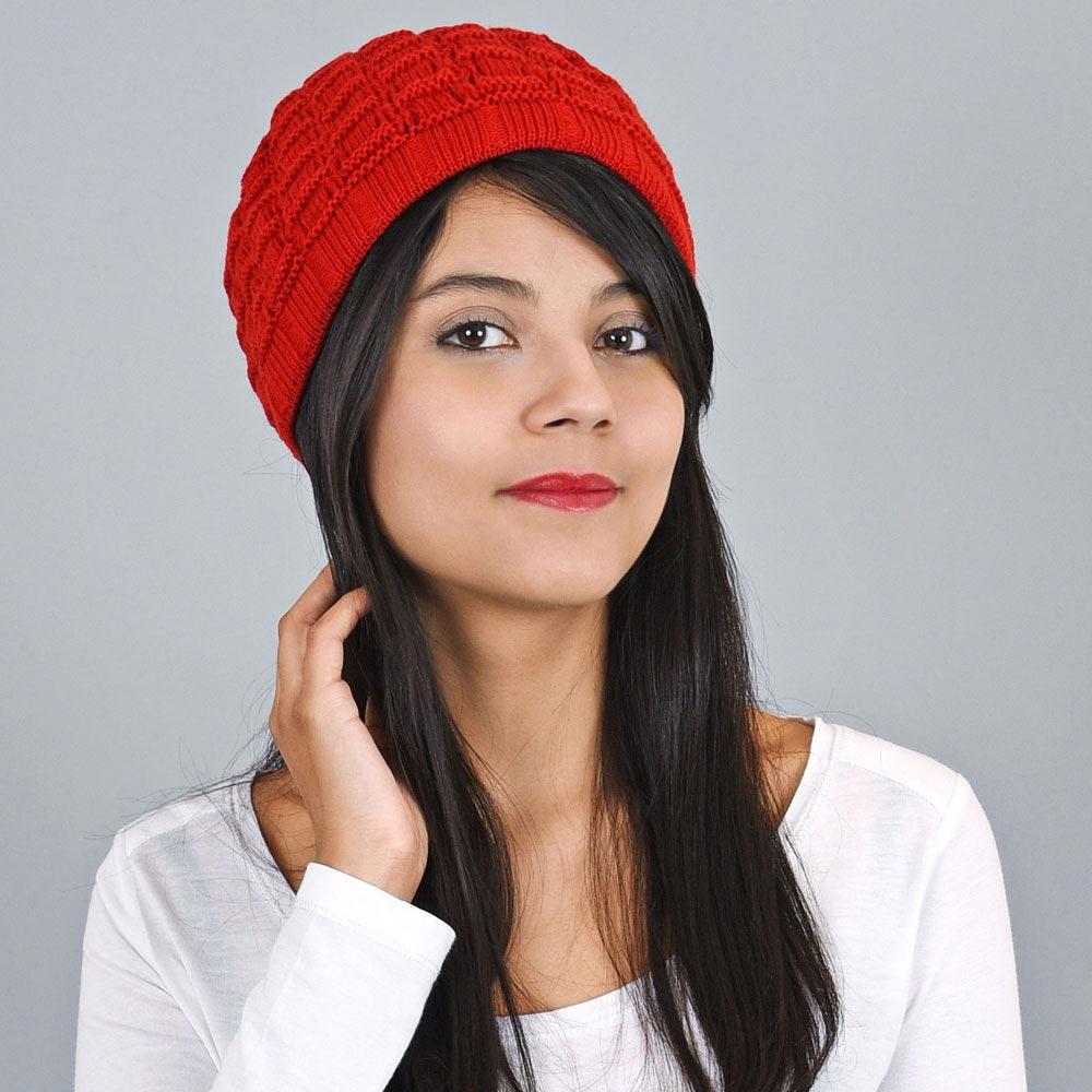 CP-00832-VF10-bonnet-court-femme-rouge