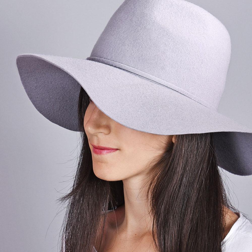 CP-01021-VF10-2-chapeau-femme-gris-clair-large-bord - Copie