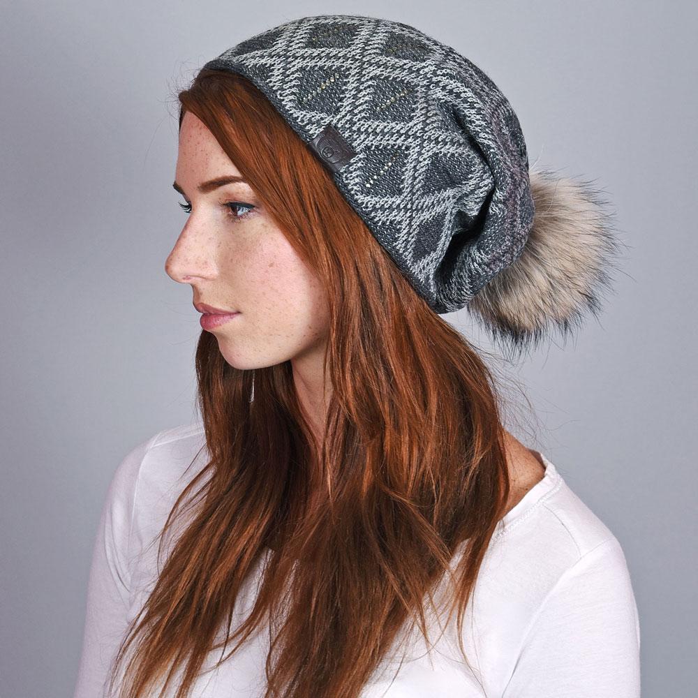 CP-01045-VF10-1-bonnet-femme-pompon-gris-fonce - Copie