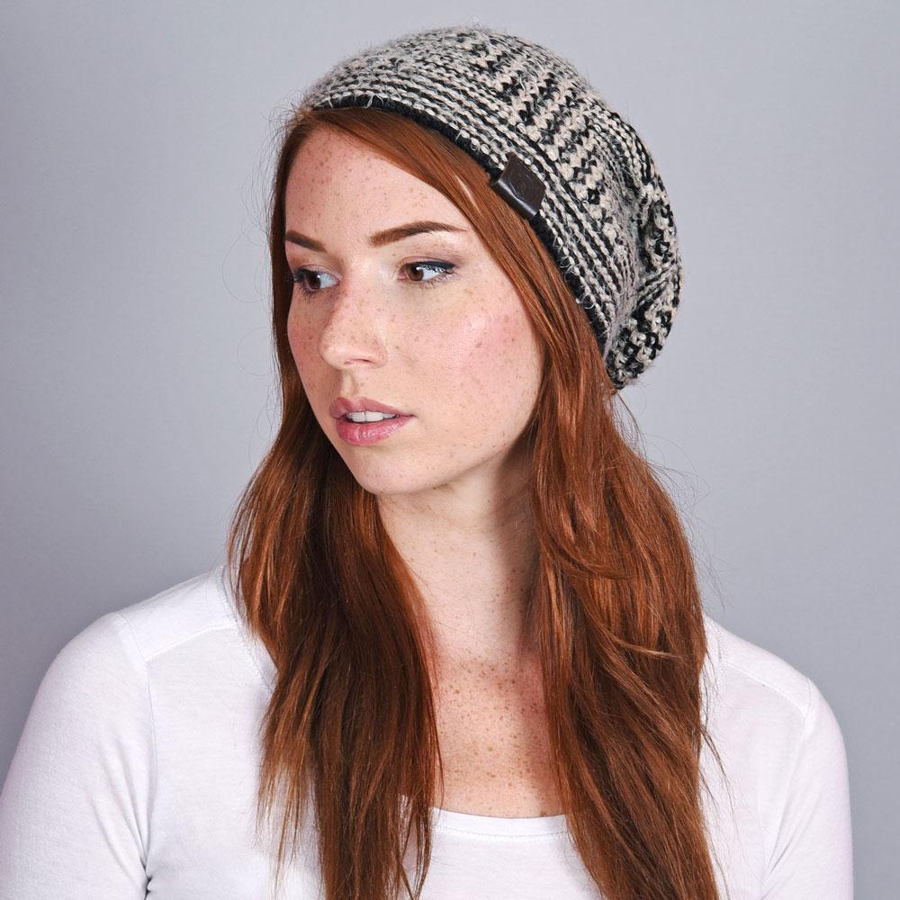 CP-01048-VF10-1-bonnet-femme-hiver-noir - Copie