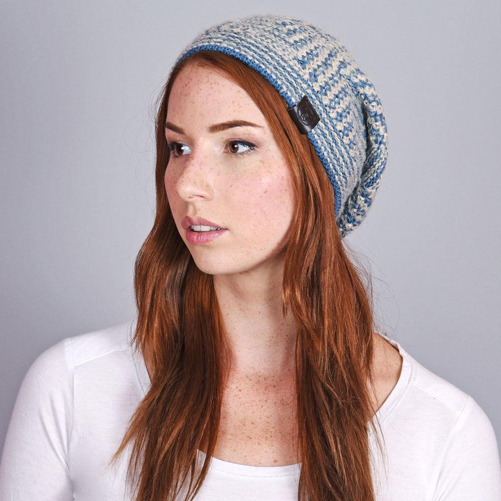 CP-01049-VF10-1-bonnet-femme-maille-chaude-bleu - Copie