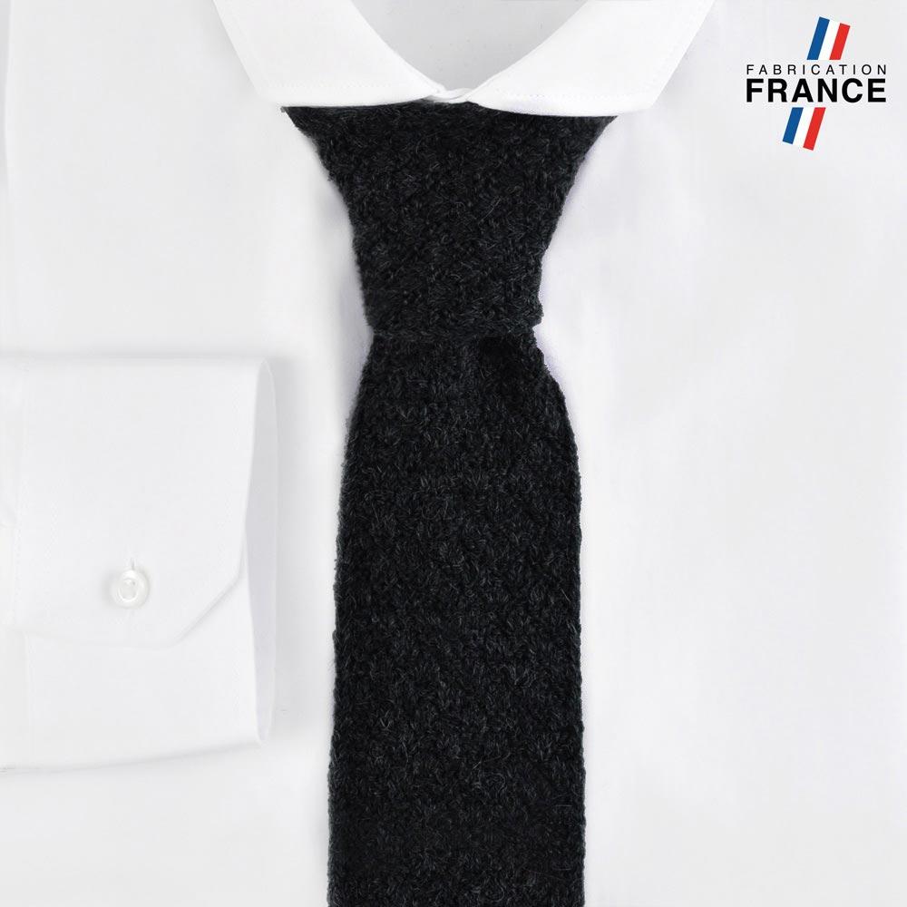 CV-00217-F10-LB_FR-cravate-tricot-noire-fabrication-francaise