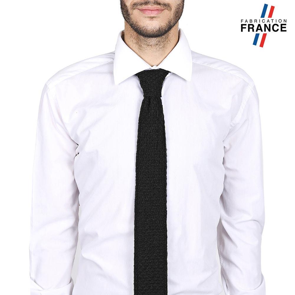 CV-00217-VH10-LB_FR-cravate-alpaga-laine-sombre-LB