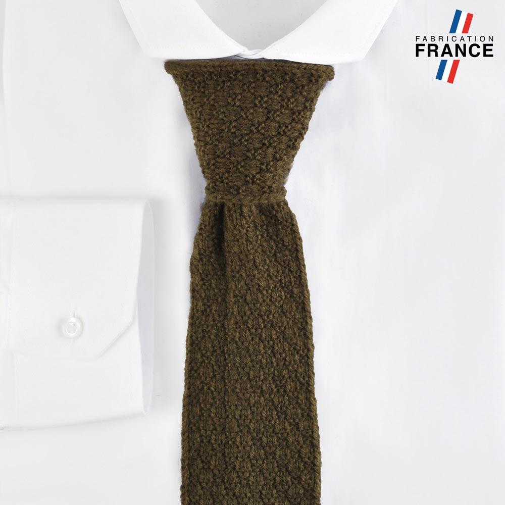 CV-00220-F10-LB_FR-cravate-tricot-kaki-fabrication-francaise