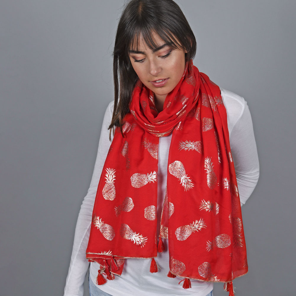 AT-04732-VF10-1-foulard-pompons-rouge