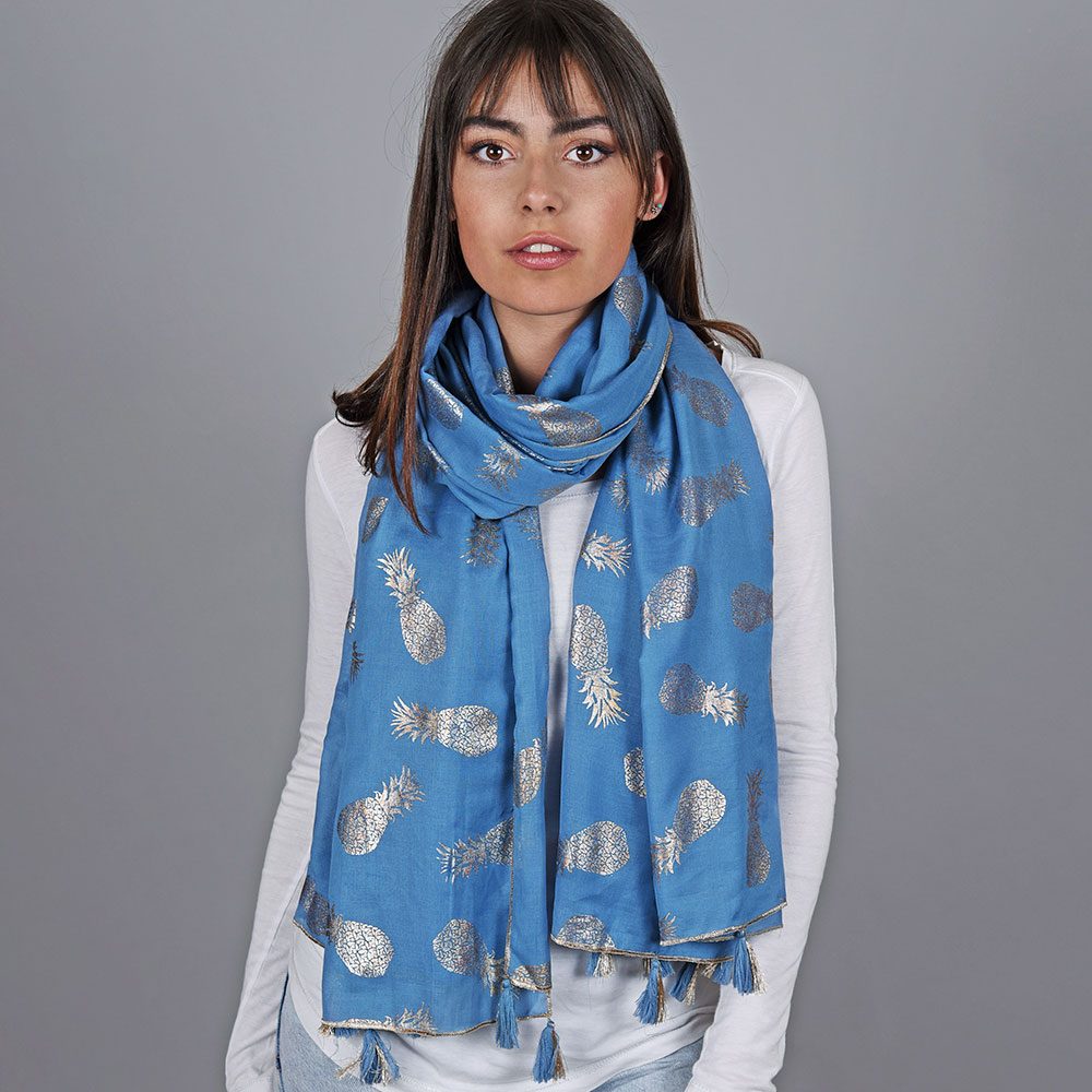 AT-04733-VF10-1-foulard-ananas-bleu