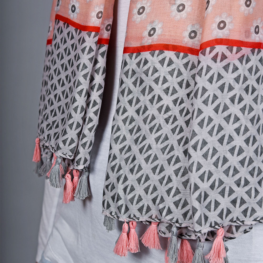 AT-04736-VF10-2-foulard-pompons-rose-gris
