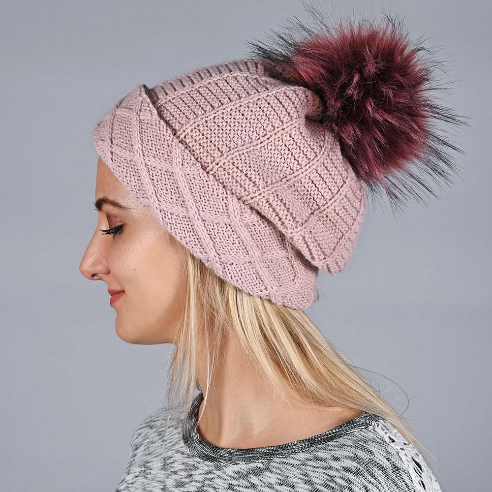 CP-01567-VF10-bonnet-femme-pompon-rose