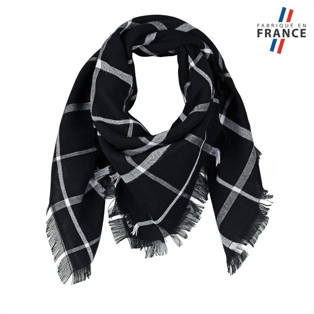 AT-05826-F10-FR-echarpe-carre-tartan-noir-label-france