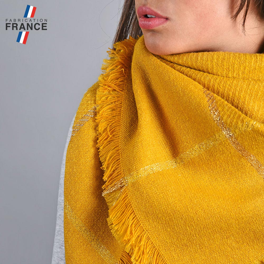 AT-04828-VF10-2-LB_FR-echarpe-mohair-moutarde