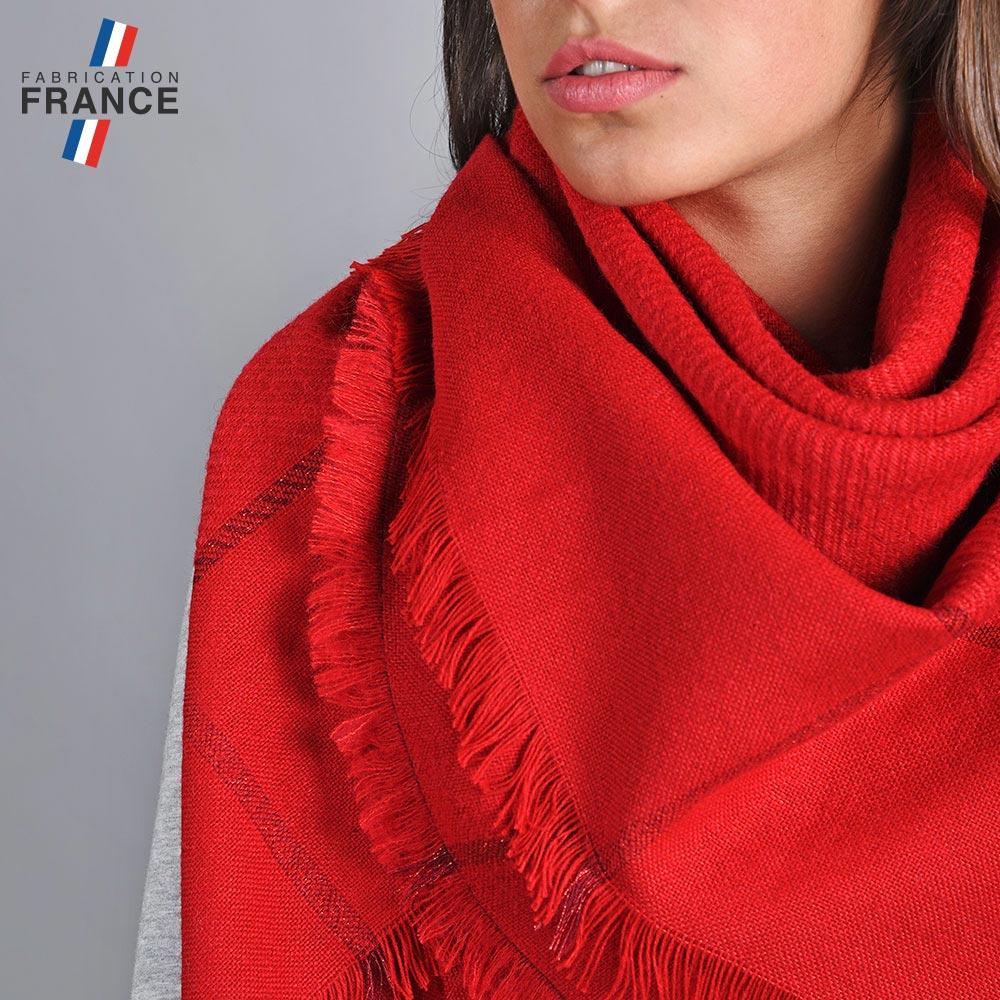 AT-04830-VF10-2-LB_FR-echarpe-carre-rouge