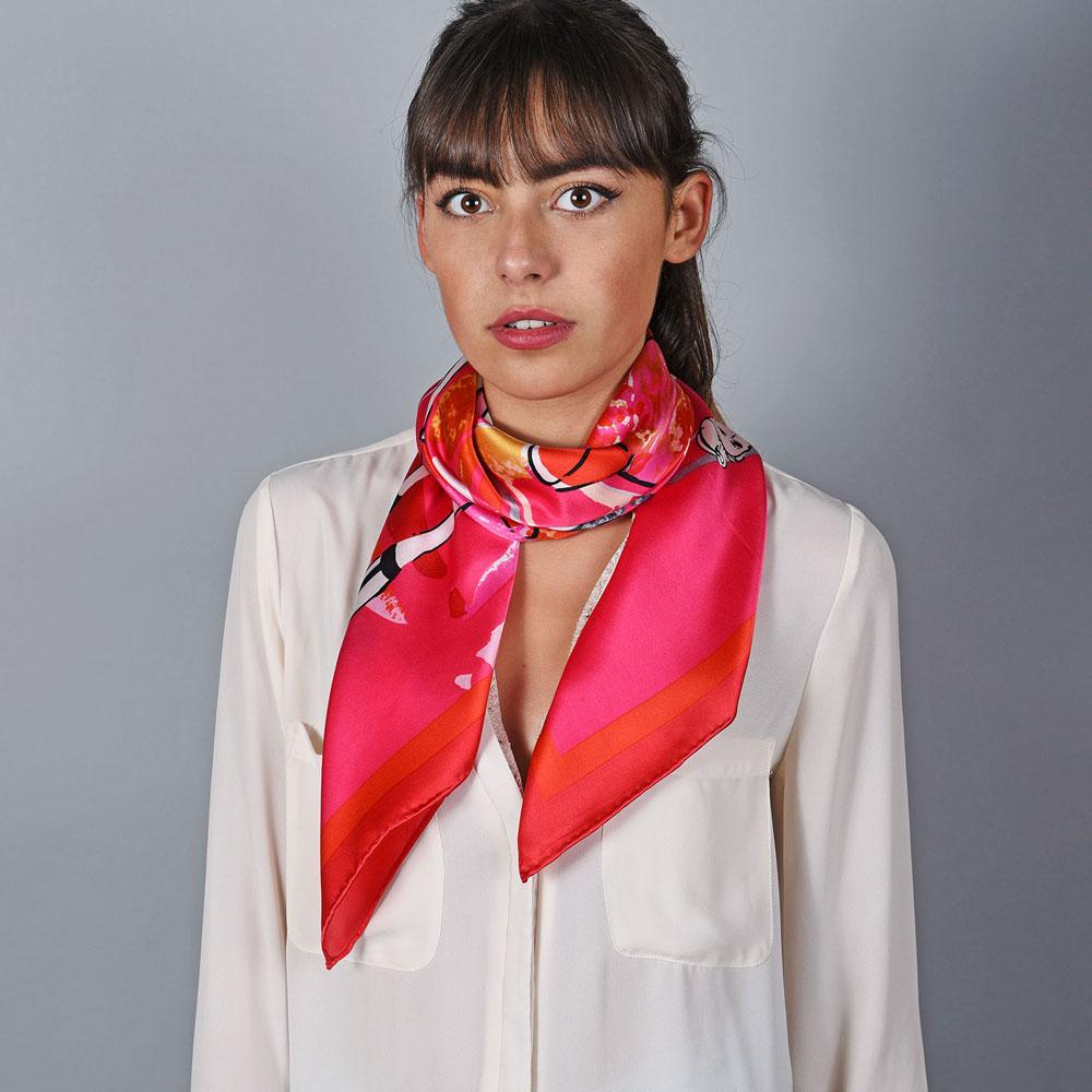 AT-05873-VF10-foulard-carre-soie-femmes-fuchsia