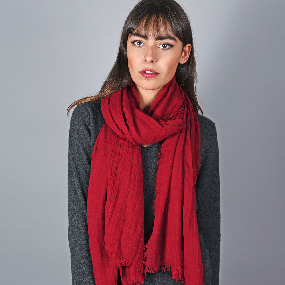 AT-05896-VF10-cheche-rouge-cerise