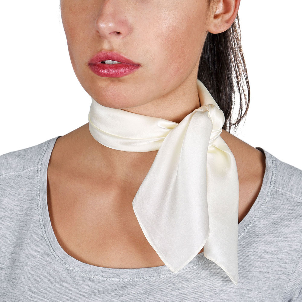 AT-05897-VF10-P-foulard-carre-soie-ecru