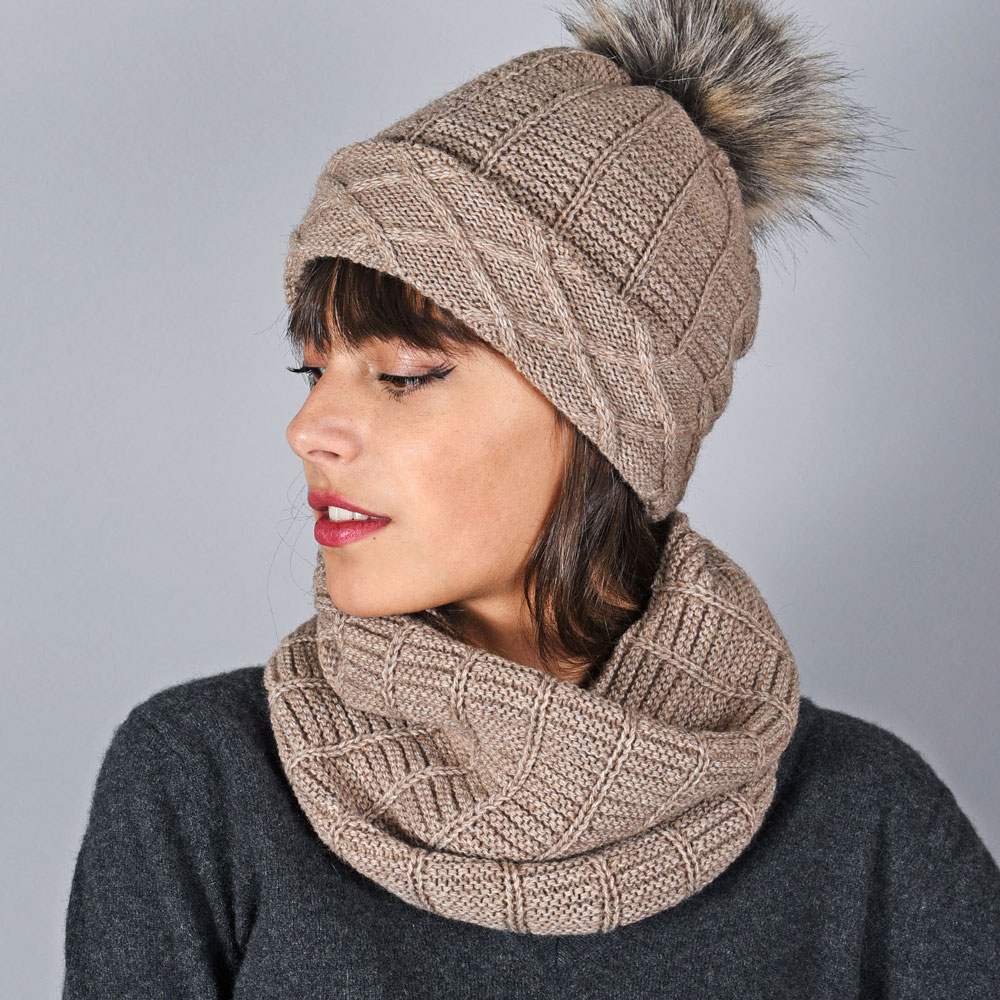 AT-05889-VF10-bonnet-hiver-et-snood-taupe