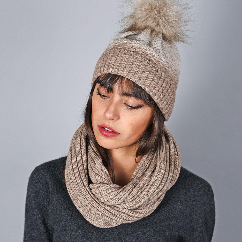 AT-05893-VF10-bonnet-et-snood-degrade-marron