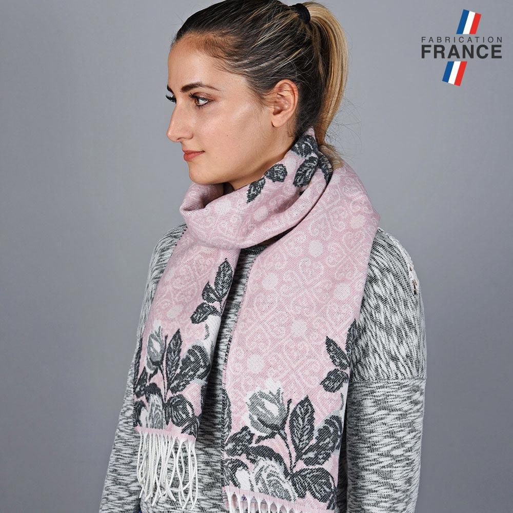 AT-05629-VF10-LB_FR-echarpe-florale-rose-fabrication-francaise