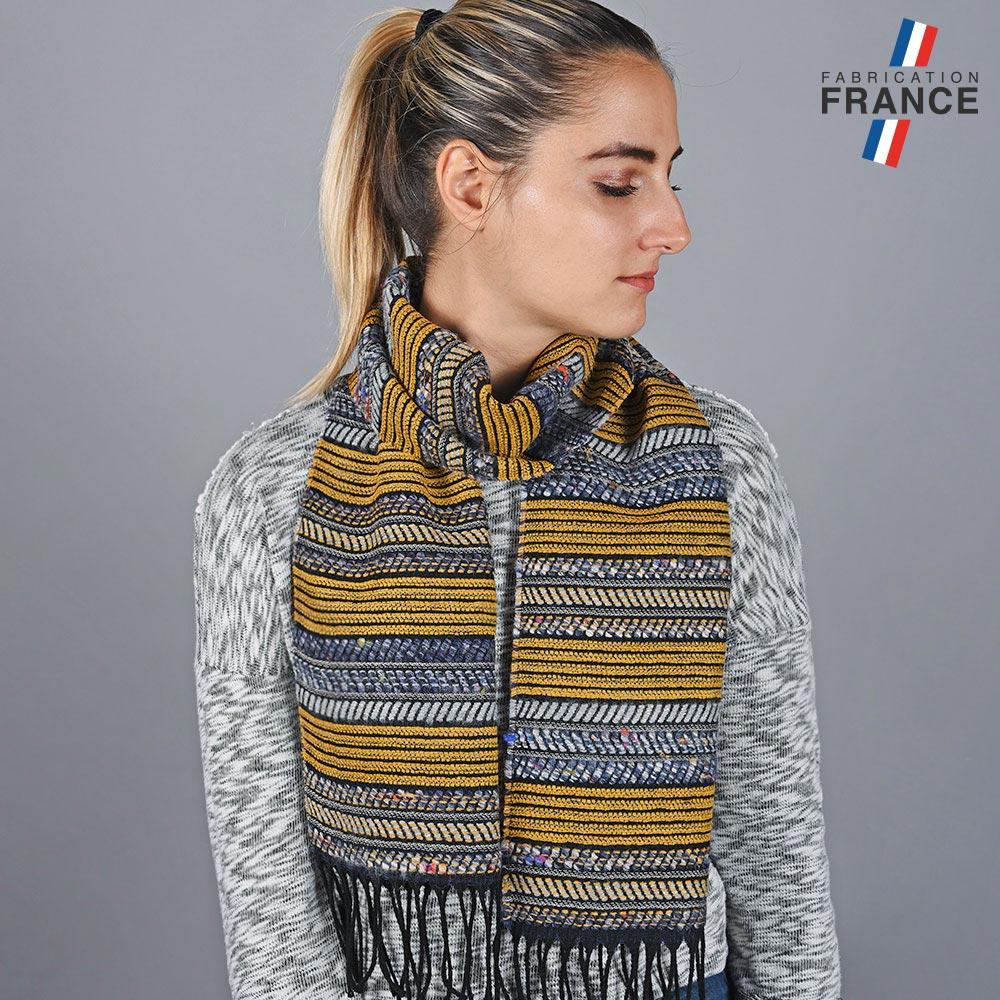 AT-05685-VF10-LB_FR-echarpe-graphique-moutarde-made-in-france