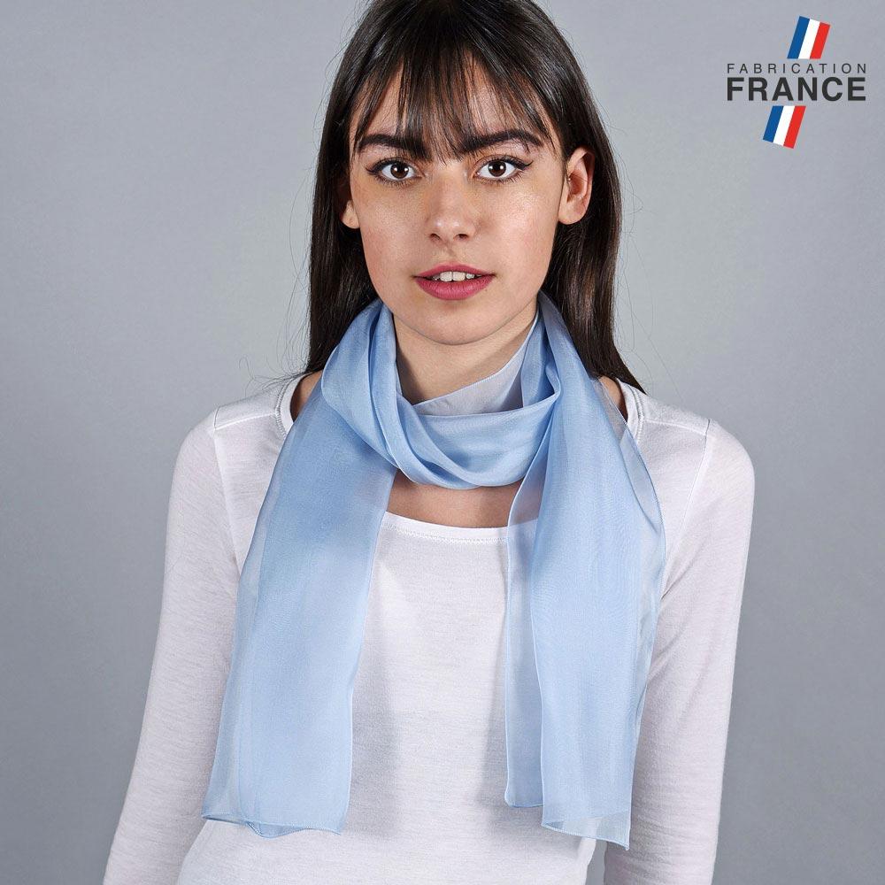 AT-05975-VF10-LB_FR-echarpe-en-mousseline-soie-bleu-ciel