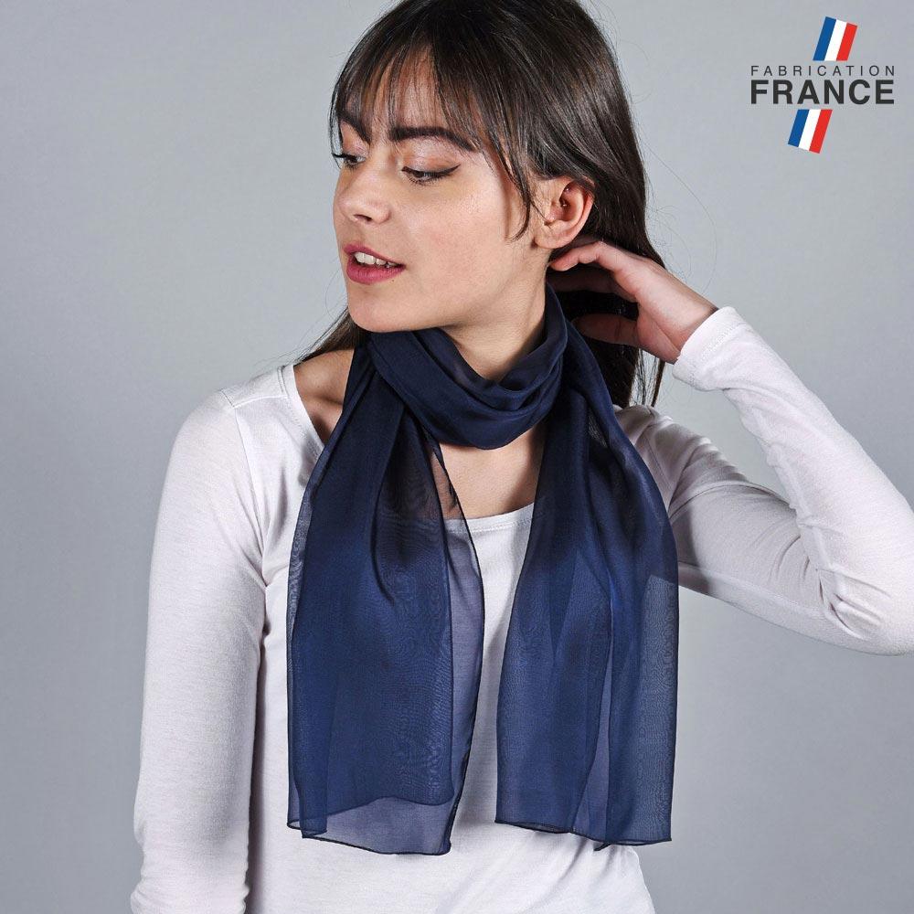 AT-05976-VF10-LB_FR-echarpe-soie-bleue-marine