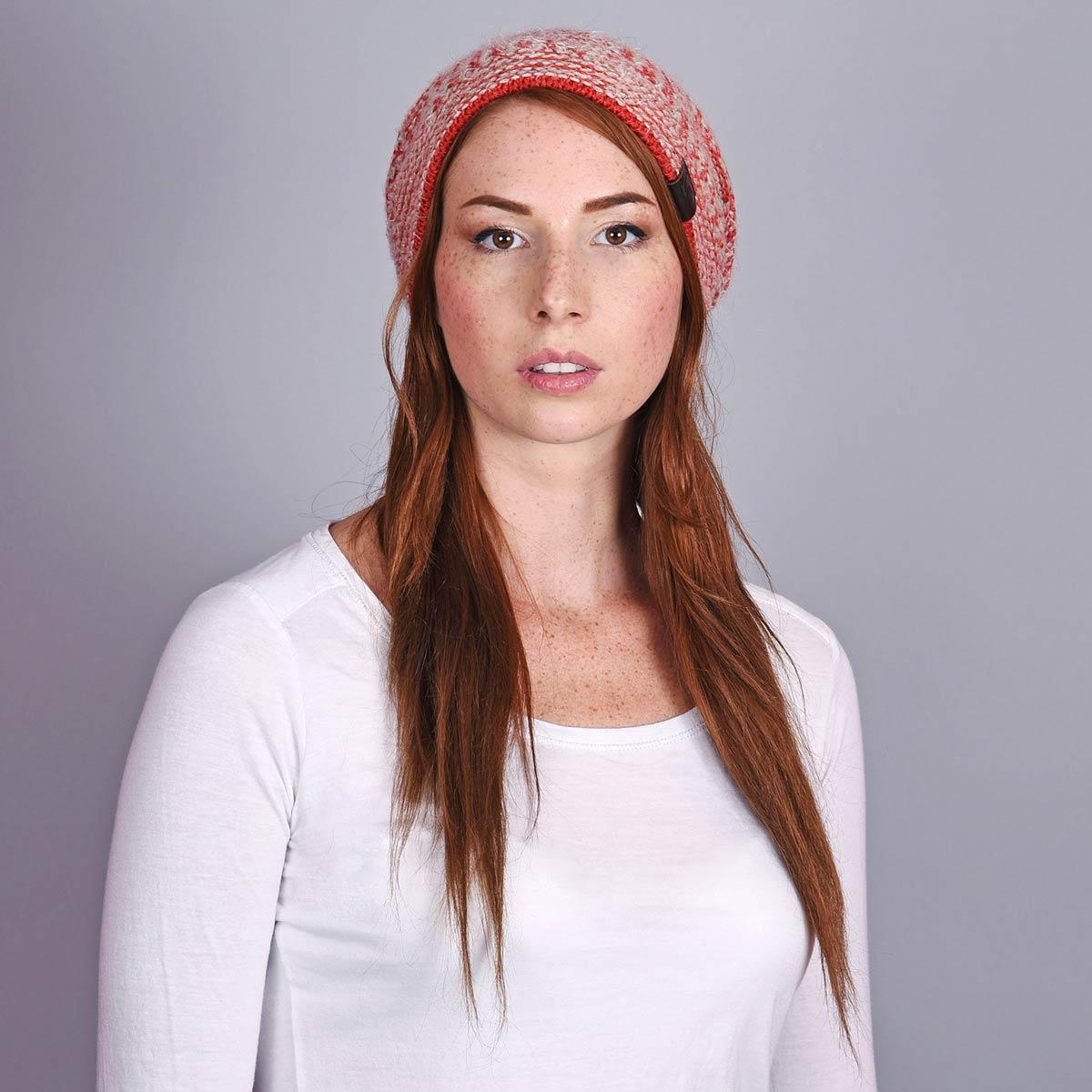 CP-01153-W12-2-bonnet-long-tendance-rouge