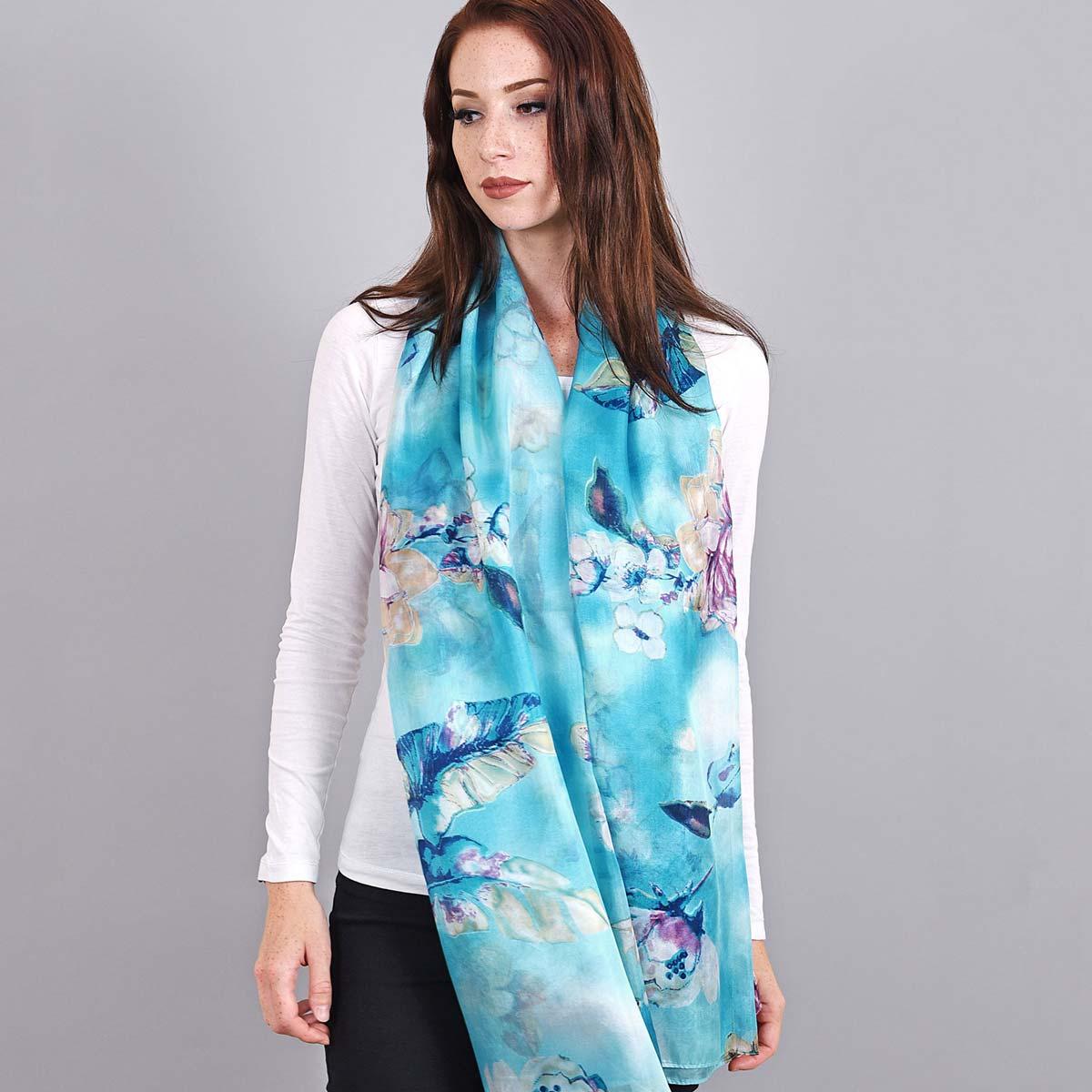 _Etole-en-soie-bleue-fleurs-blanches