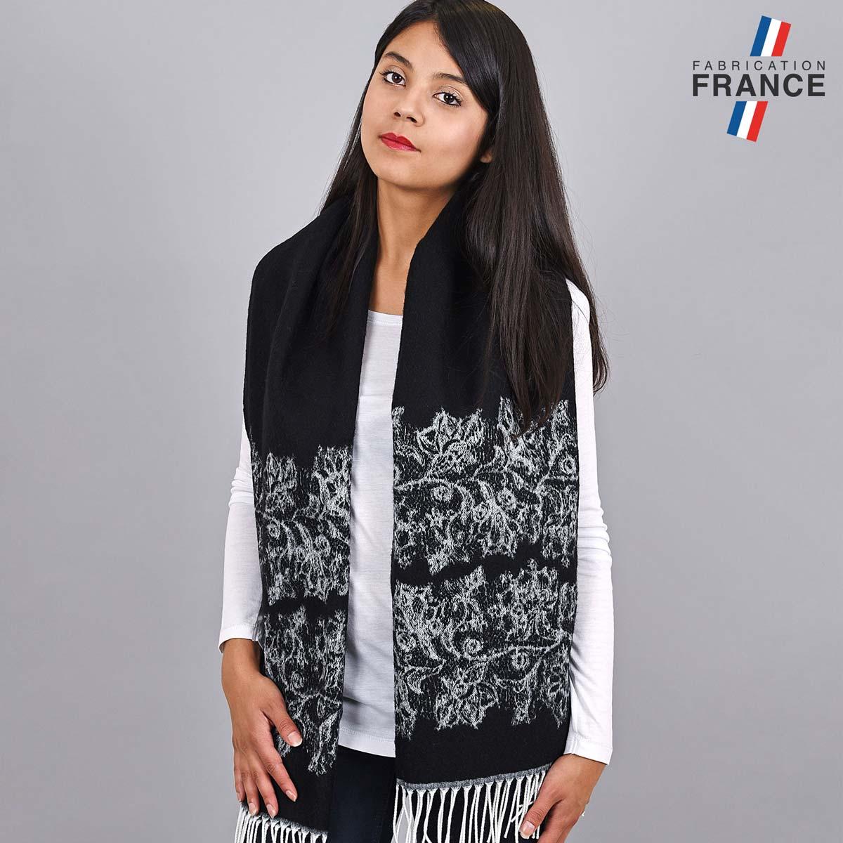 AT-03956_W12-2FR_Chael-femme-noire