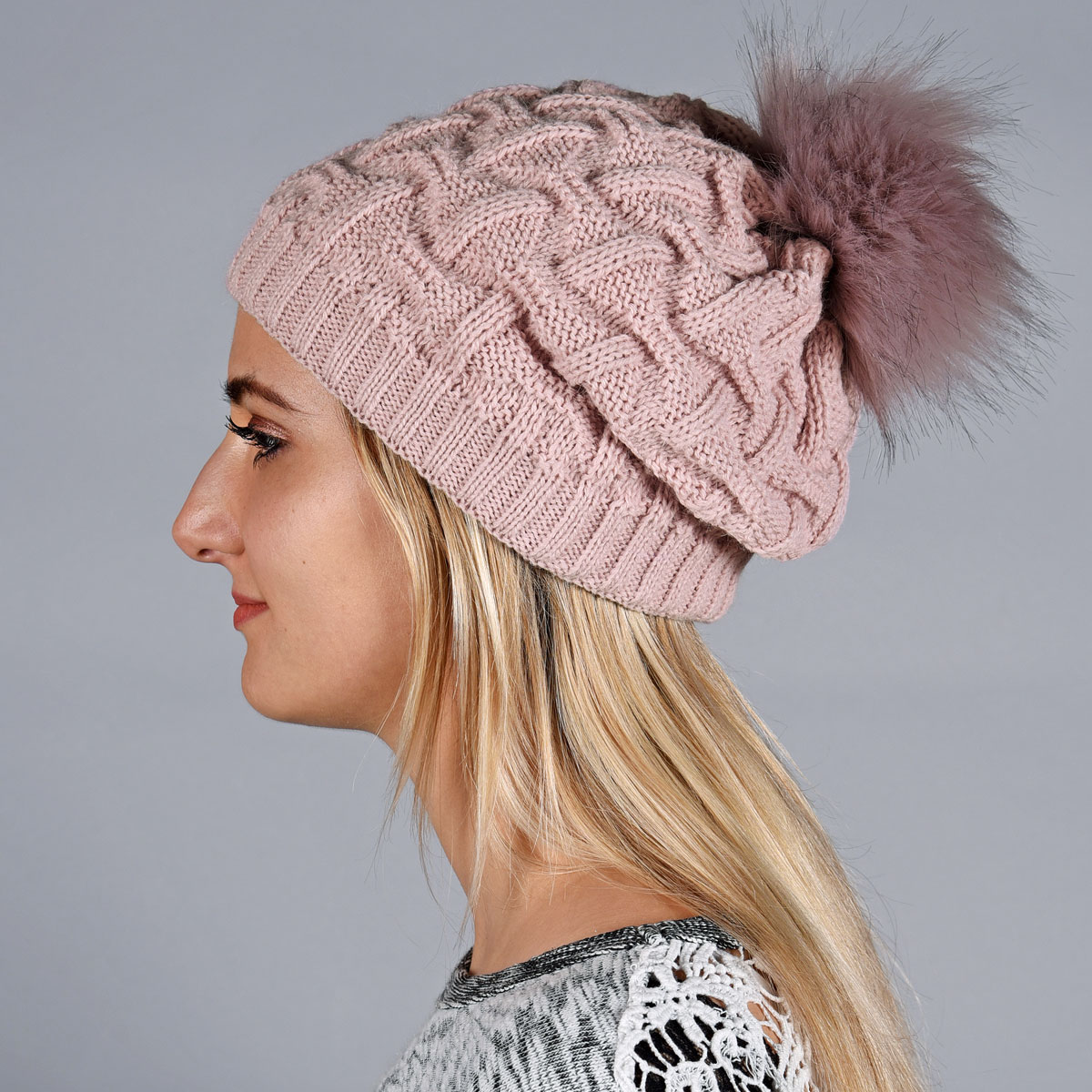 _Bonnet-maille-epaisse-rose