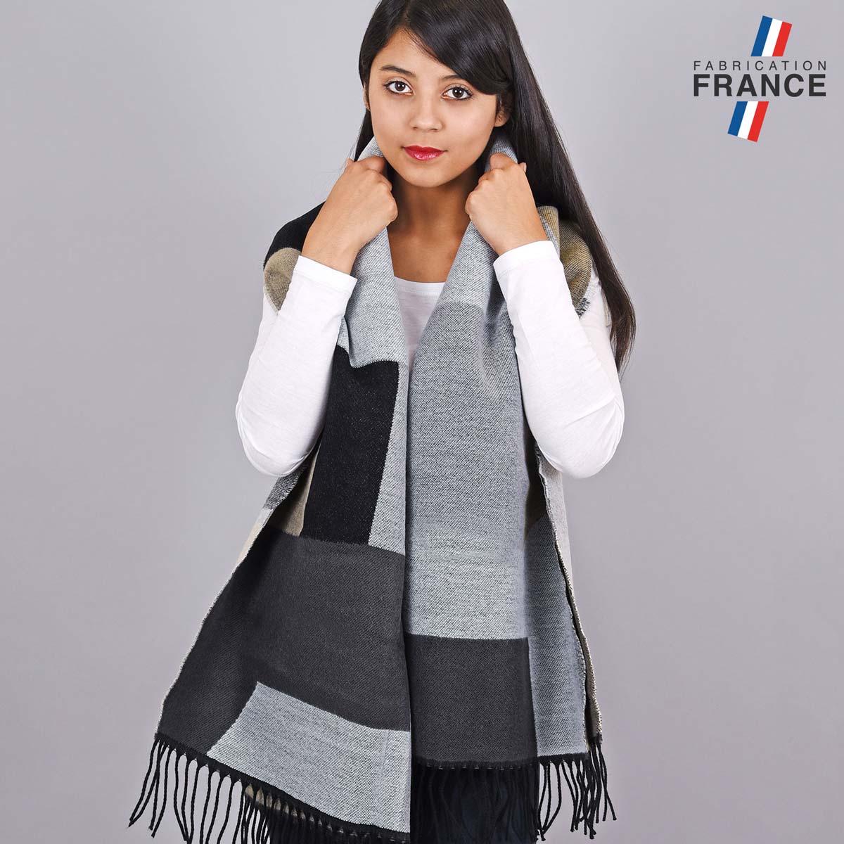 AT-05523_W12-2FR_Chale-epais-patchwork-gris-noir