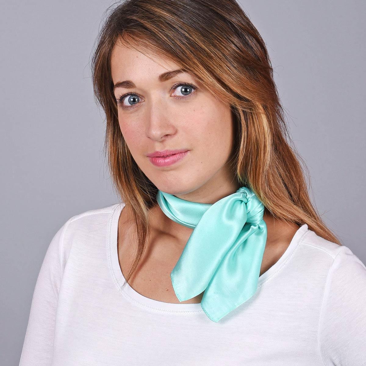 _Foulard-soie-femme-vert-pale